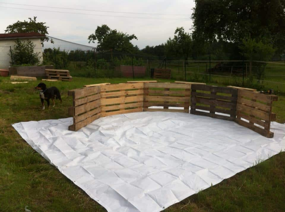 Using Just Nine Wooden Palettes Some Nails A Tarp And Ingenuity You As Well Could Have Your Own Homemade Pool
