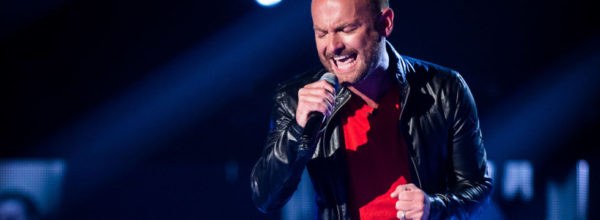 Kevin Simm Wows The Judges Of 'The Voice' With His Cover Of 'Chandelier'