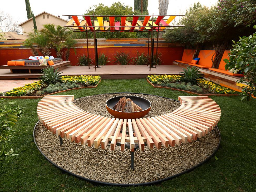 give your backyard a quick makeover with these top 10 diy backyard
