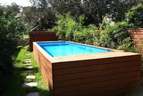 Deep Pallet Wood Pool