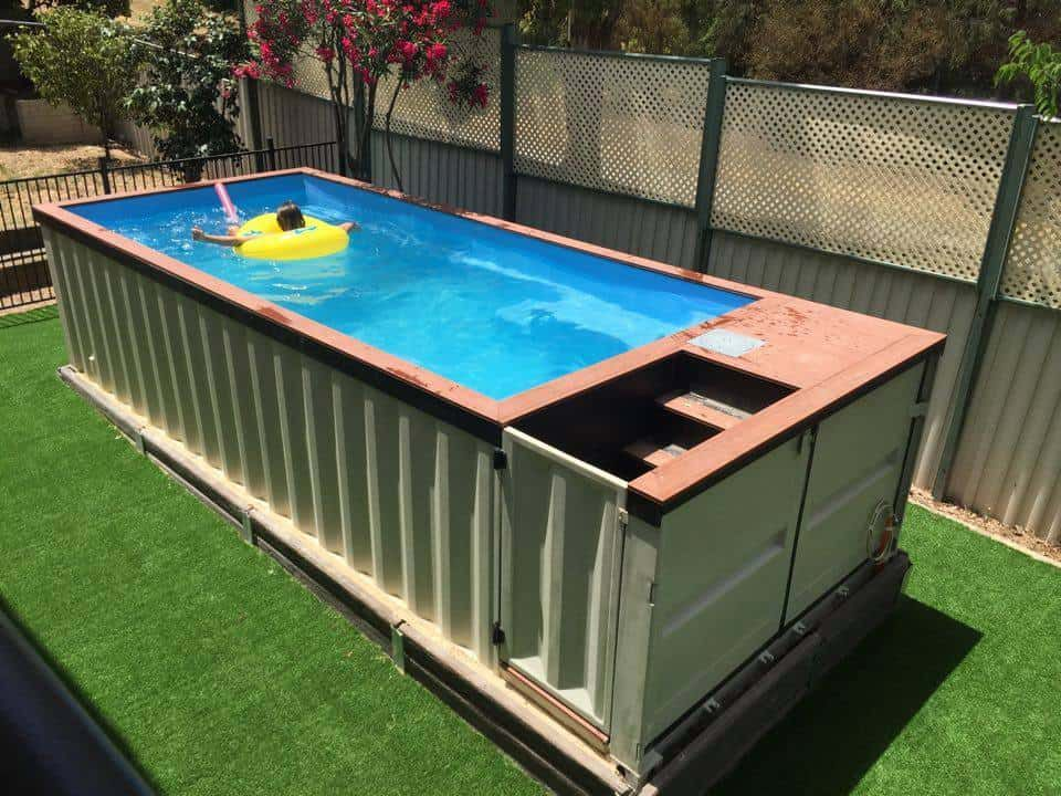 Family Builds Backyard Pool Out Of Pallets And It\'s Awesome ...