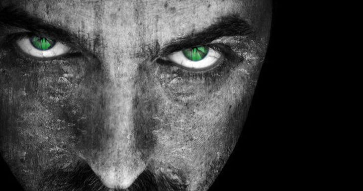 30 Warning Signs That You Are Dealing With Someone Evil