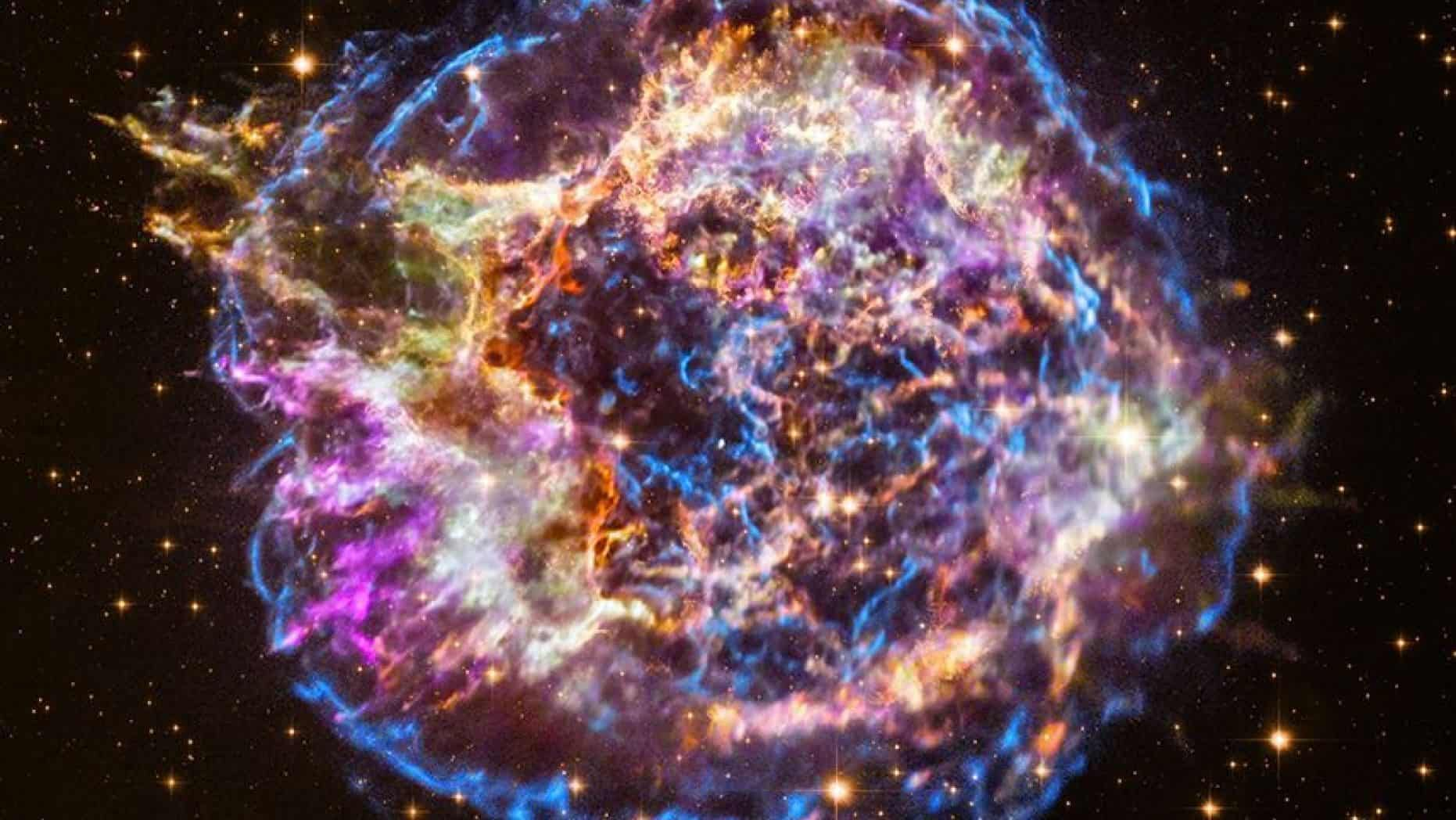 Supernova Morphs While Shock Waves Reverse In Incredible ...